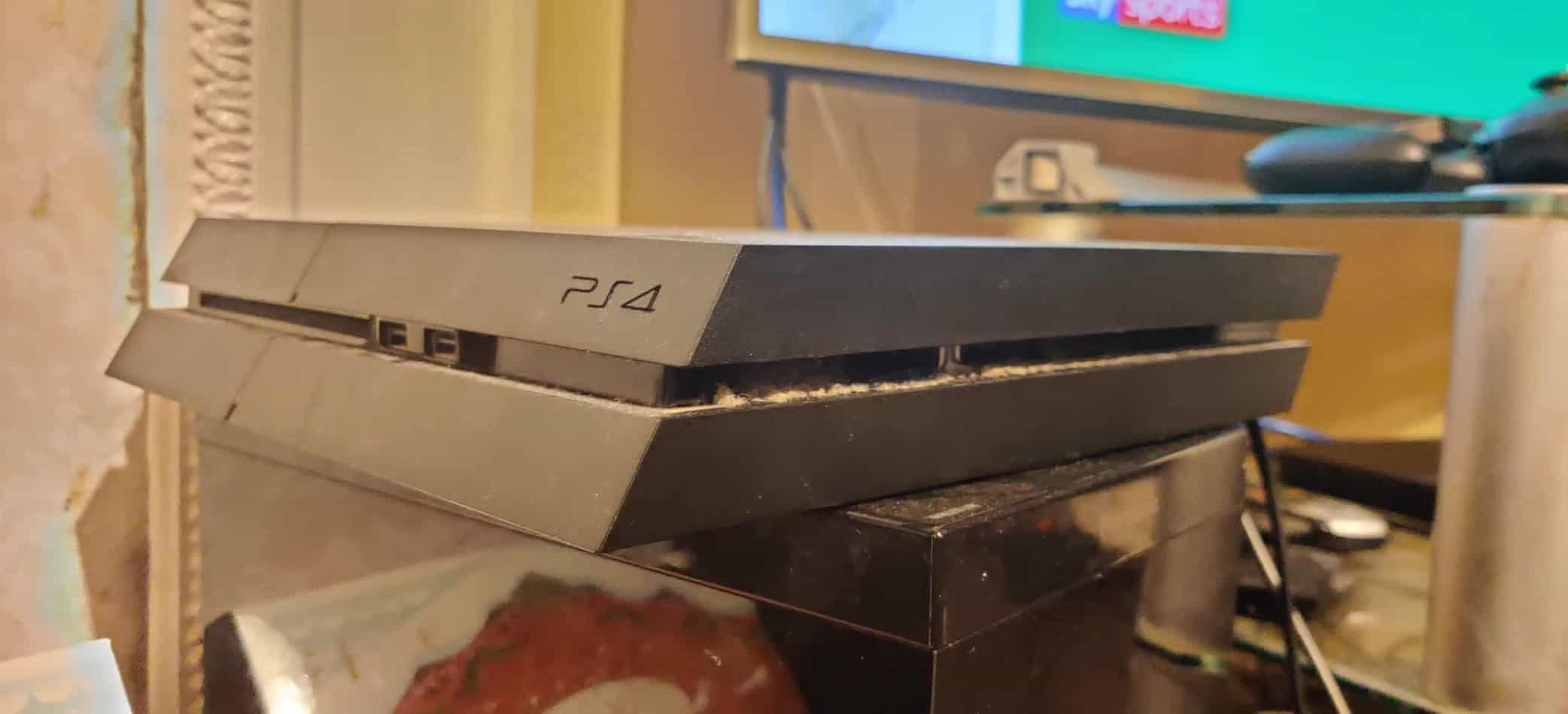 why does my ps4 sound like a jet